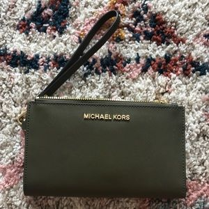 Michael Kors jet set travel wristlet